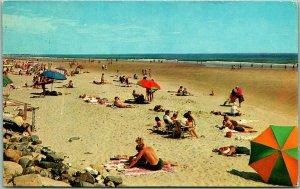 OGUNQUIT, Maine Postcard Three Mile White Sand Beach Bathing Scene 1960 Cancel