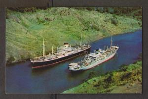Panama Canal - 2 Ships Passing In The Culebra Cut - Unused 1960s