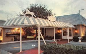 St Petersburg Florida~Aunt Hattie's Restaurant~Driver Thru~1973 Postcard