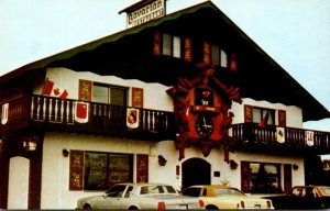 Canada Sault Ste Marie World's largest Handcarved Cuckoo Clock At Clock ...