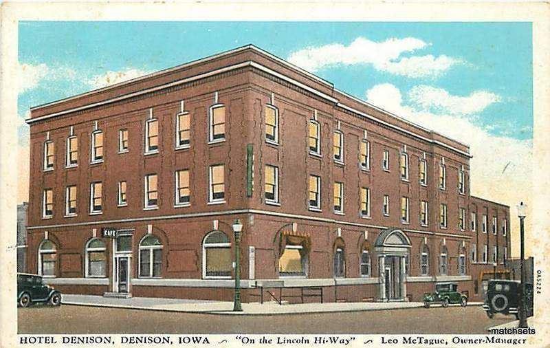 1935 Denison Iowa Hotel Automobiles Curt Teich Co 9480 Postcard
