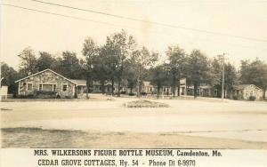 CAMDENTON MISSOURI 1930s Wilkerson Figure Bottle Museum roadside 3022