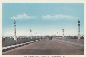 MOOSE JAW , Saskatchewan , Canada , 1930s ; Fourth Avenue Bridge