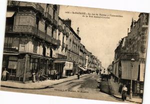 CPA St-NAZAIRE - La rue de NANTES a l'intersection de la Rue Amiral... (222207)