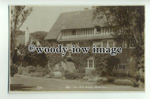 tp8849 - Kent - The Old House, Garden, and Cat, in Sandwich - postcard