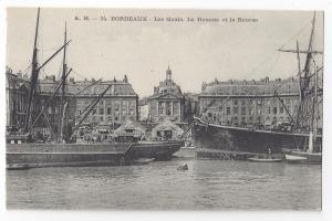 France Bordeaux Les Quais La Douane et la Bourse Ships