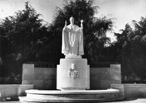 Portugal Fatima Monumento de Pio XII Statue Postcard