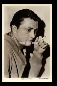 b6503 - Film Actor - Robert Young - Picturegoer No.679 - postcard