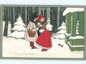 Pre-Linen Christmas KIDS ARRIVING AT THE DOOR AB5942