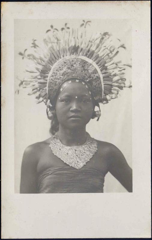 indonesia, BALI, Beautiful Girl Djanger Dancer, Jewelry (1920s) RPPC