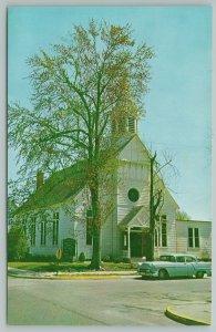 Bridgeville Delaware~Union Methodist Church Street View~Vintage Postcard