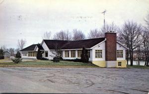 Golf Club Pavilion - Tracy QC, Quebec, Canada - pm 1986