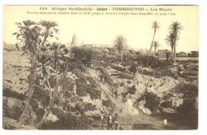 Grandes Excavations Creusees Dans Le Sable Jusqu´au Sous-Sol d´Argile Dans ...