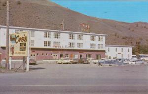 CACHE CREEK, British Columbia, Canada, 1940-1960´s; Hotel Oasis, Classic Cars