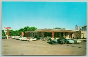 Dyer Indiana~Teibels Family Restaurant~Lincoln Highway US 30~1950s Cars Postcard