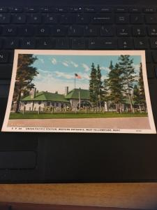 Vintage Postcard; Union Pacific Stations, Western Entrance , Yellowstone mt
