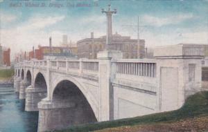 Iowa Des Moines Walnut Street Bridge