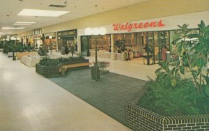 BROOKFIELD , Wisconsin, 1940-60s; Walgreens , Mall