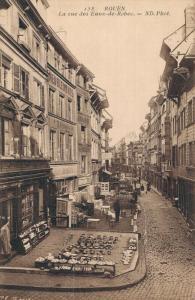 France Rouen La rue des Eaux de Robec 02.88