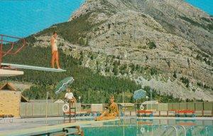 Waterton Lakes , Alberta , Canada , 1950-60s ; Swimming Pool & Mt Crandell