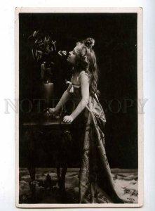 239963 GLAMOUR Girl w/ LONG HAIR Flower Vintage PHOTO 1905 y
