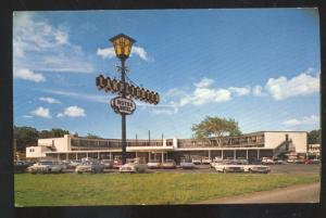 SPRINGFIELD MISSOURI ROUTE 66 THE LAMPLIGHTER MOTEL OLD CARS VINTAGE POSTCARD