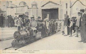 CONEY ISLAND , New York, 1905 ; Dreamland , Miniature Train