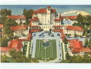 Broadmoor Hotel Pike Peaks Region Colony Courtyard Beach   Postcard # 6269