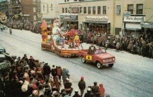 Carnaval de QUEBEC , Canada , 1965 ; Float #2