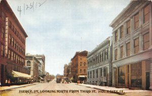 LP94 Sioux City   Iowa Postcard Pierce St. Looking North from Third St