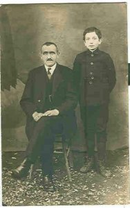 pc2637 postcard Italy Father and Son Frightened to be photographed RPPC Not used