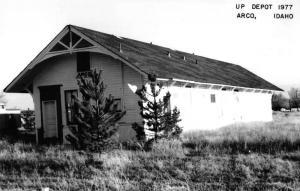 Arco Idaho 1977 Union Pacific train depot real photo pc Z18252