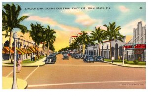 Florida  Miami Beach , Lincoln Road looking East from Lennox Avenue