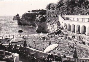 RP; BAIRRITZ, Pyrenees-Atlantiques, France; La Plage du Port Vieux, Au fond, ...