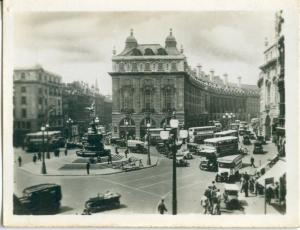 UK, London, Piccadilly Circus, 1910s-20s Real Photo Snapshot