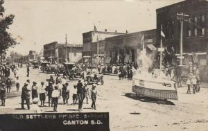 RP: CANTON , South Dakota , 00-10s ; Parade on Main Street