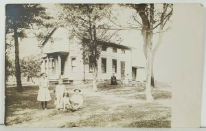 RPPC Farmhouse Women Children & Dog Real Photo Postcard C10