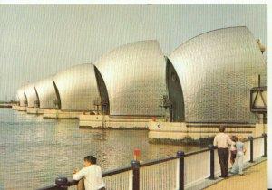 London Postcard - Thames Barrier - Woolwich Reach - Ref 19138A