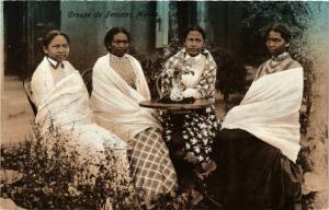 CPA Groupe de Femme Hovas MADAGASCAR (819988)