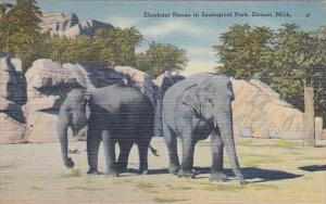 Michigan Detroit Elephant House In Zoological Park