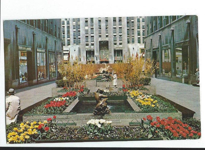 Vintage Rare Postcard Channel Gardens Rockefeller Center Flags of United  # 113