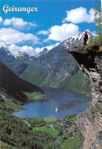 Norge: Flydalsjuvet, Geiranger, Foto Finn Loftesnes, cliff