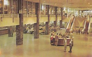 Interior Greyhound Bus Terminal , CHICAGO , Illinois , PU-1957