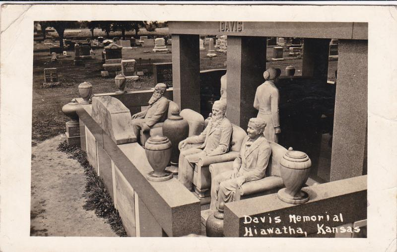 RP: Cemetery , Davis Monuments , HIAWATHA , Kansas , PU-1947