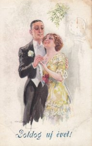 USABAL: Romantic Couple under mistletoe as the clock strikes midnight, New Ye...