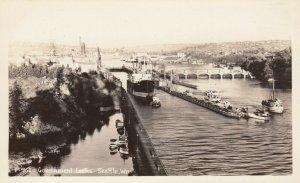 RP; SEATTLE, Washington, 30-40s ; Government Locks