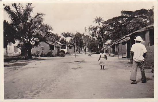 Belgian Congo Matadi Une rue d'un Village negre Real Photo