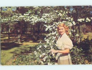 Pre-1980 GIRL WITH WHITE DOGWOOD TREES Silver Springs - Near Ocala FL hn2822