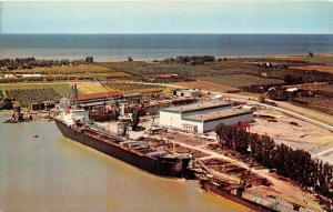 7786   Ontario    Ocean-Going Ships in Dry Dock, St. Catharines