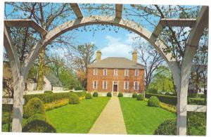Williamsburg VA Wythe House Garden View Postcard
